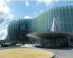 国立新美術館 国内最大規模の美術館。